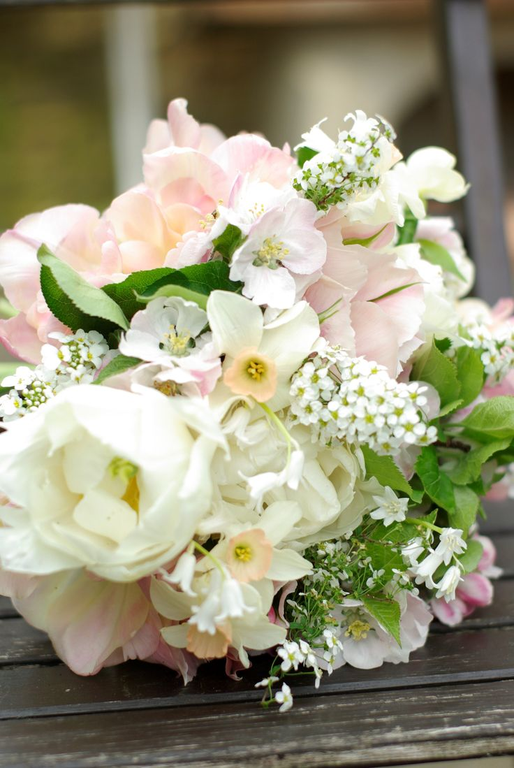 Early Ma bridal bouquet british flowers Yorkshire grown double tulips narcissus