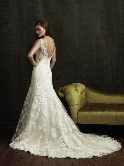 Robe de Mariée en Dentelle Neuve Allure Bridal T34