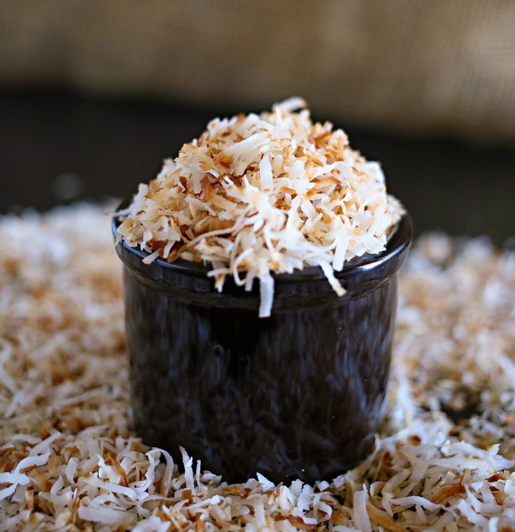 How to Toast Coconut, toasting coconut, toasted coconut, easter cakes, coconut frosting