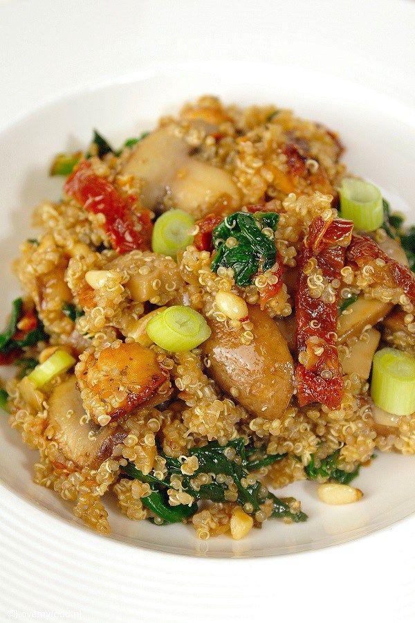 Een foodblogger die niet weet hoe quinoa met kip smaakt, dat kan natuurlijk niet. Het was hoog tijd voor een quinoa-experiment! Op Pinterest zijn talloz