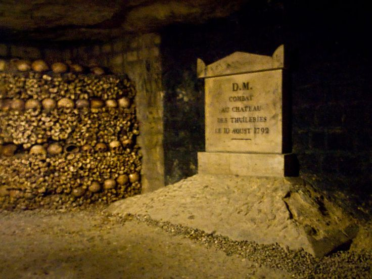 800px-10_aout_1792_Catacombes