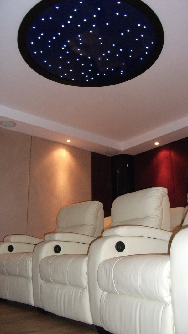 LAGOA CINEMA 360 SHOWROOM by projectiondreams cinema design , via Behance