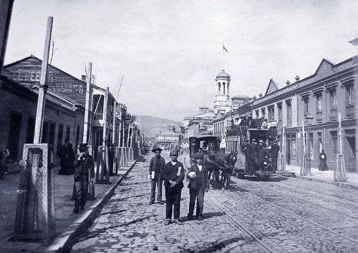 Calle Victoria de Valparaiso en 1902.