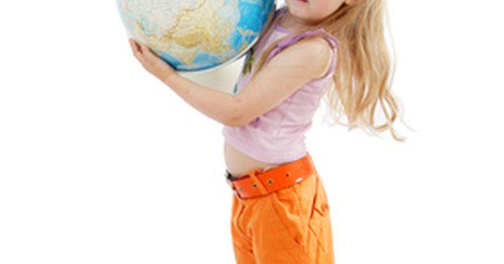 Factores que afectan el proceso de diseño curricular . Hay varios factores que afectan a todo el desarrollo de un plan de estudios para satisfacer las necesidades de los estudiantes del siglo 21, tanto en el ámbito académico organizado como en los centros de aprendizaje de la corporación. Bosquejar un desarrollo curricular requiere la selección de objetivos de aprendizaje y el diseño de modelos de ...