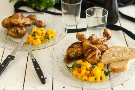 Kycklingben med lakrits och mango