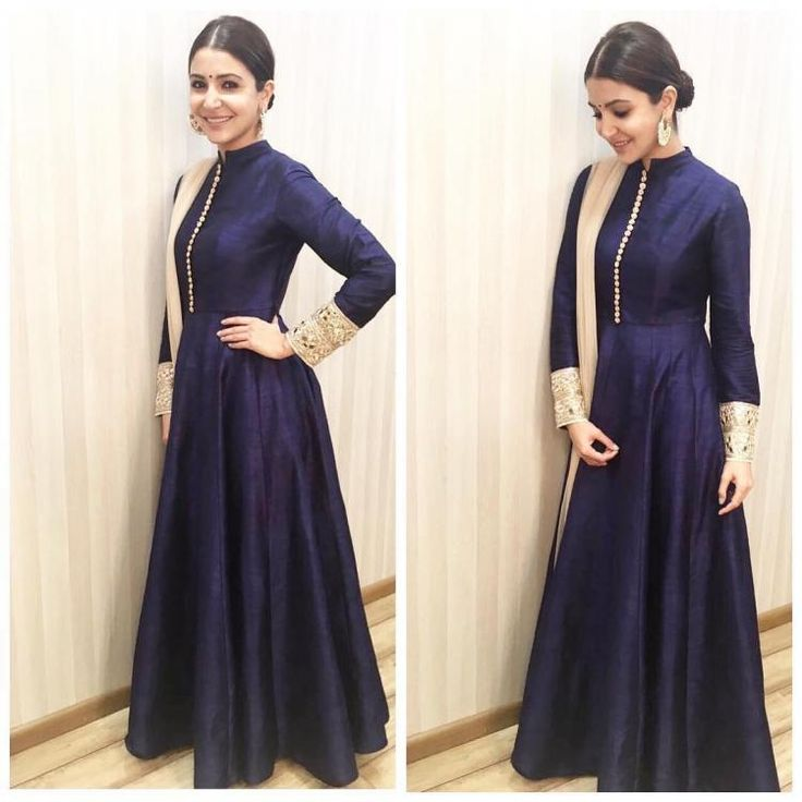 Anushka is elegance personified in this traditional blue look!