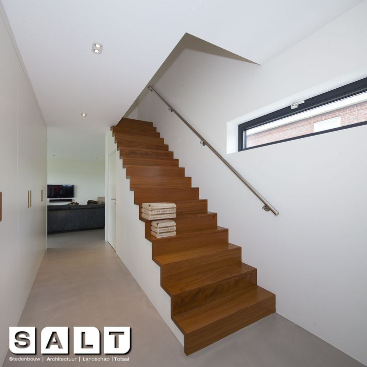 trap in warm hout #hout #modern #architectuur #architecture #stairs #wood