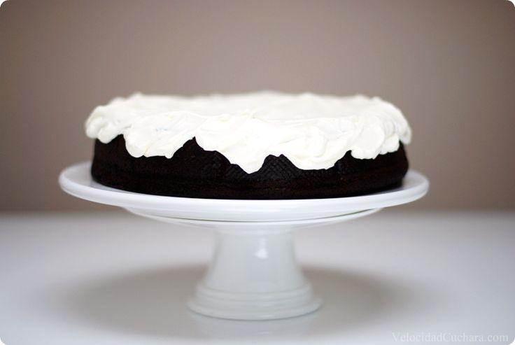 Tarta Guinness, PROBADO, rica, rica, rica . Lo único importante es poner un papel de horno en el molde antes de cerrarlo para q quede bien hermético, xq la masa del bizcocho no es muy espesa y se te sale en la coccion. Un9