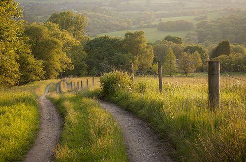 English country lane by Keartona on Flickr.