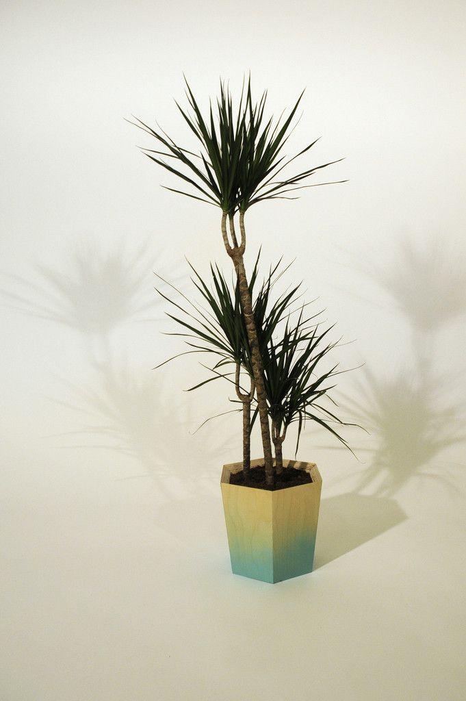 Hexagonal Plant Pot Large – Primary Grey