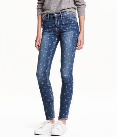 Denim blue/stars. 5-pocket, slim-fit jeans in washed superstretch denim with a star pattern. Regular waist, zip fly with button, and tapered legs.