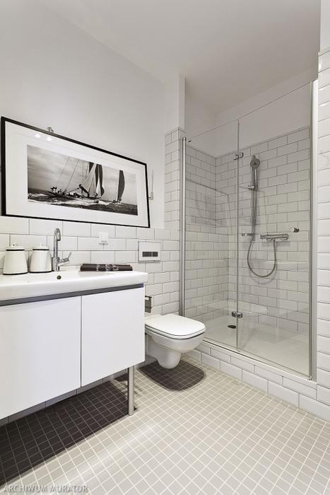 Prysznic bez brodzika. Pomysł na nowoczesną aranżację łazienki [ZDJĘCIA]