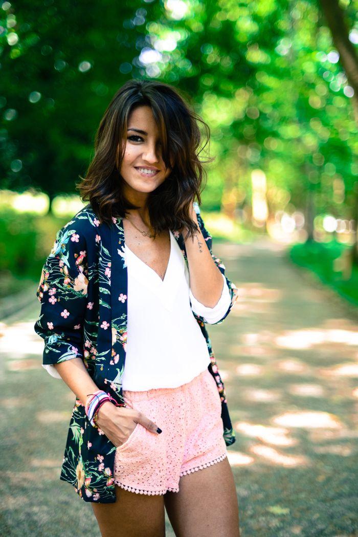floral kimono / white blouse / pink skirt