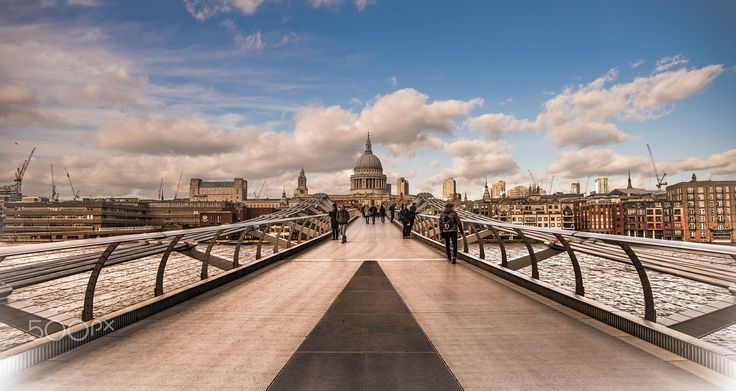a familiar view to all whom cross the wobbly bridge to the city of london