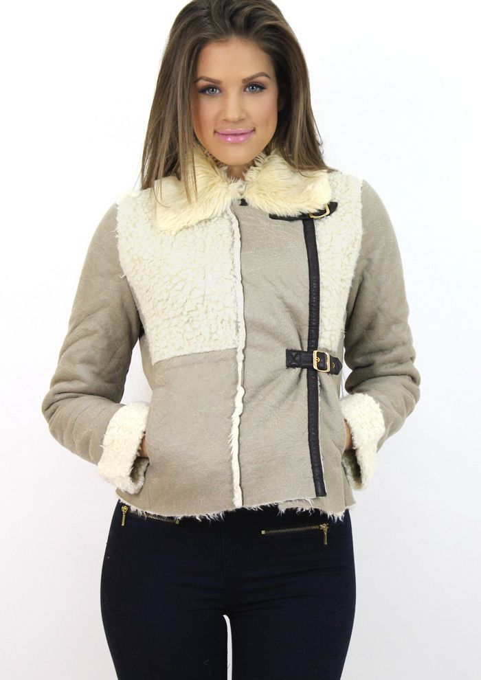 Chic patchwork jacket for the transition period. Available at www.famevogue.ro .   #jacket #style #fashion #trends