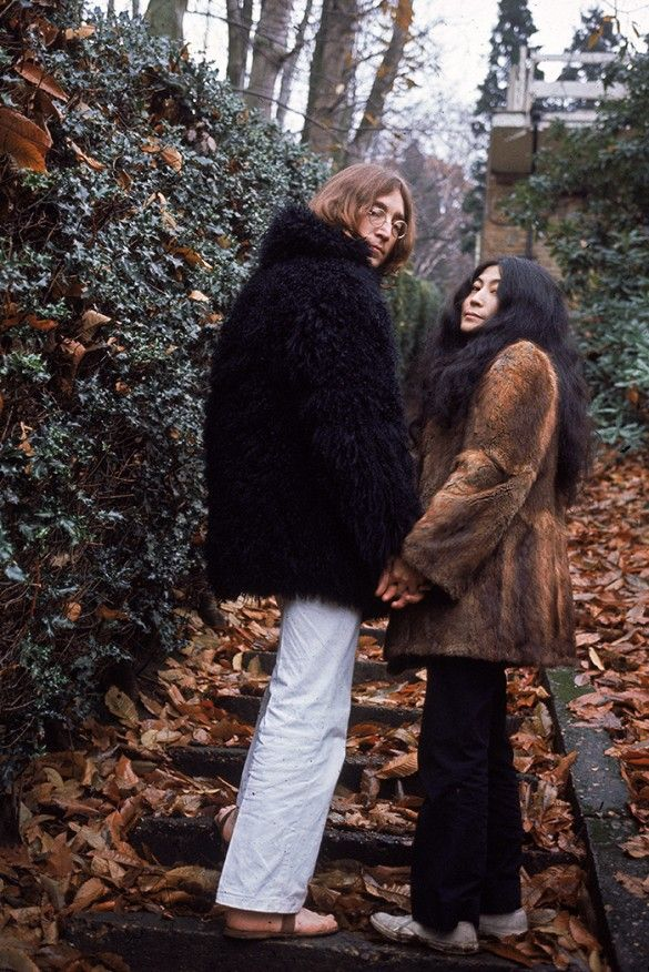 Lennon and Ono at the foot of a stone staircase in 1968.