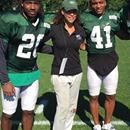 Gang Green is breaking new ground. The New York Jets plan to hire its first woman coach, a preseason intern who will work this summer with the defensive backs during training camp, sources said Thu…Gang Green is breaking new ground. The New York Jets plan to hire its first woman coach, a preseason intern who will work this summer with the defensive backs during training camp, sources said Thursday. Collette Smith, 44, is currently a coach and marketing executive with the New York Sharks, a…