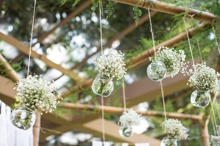 Inspirações para um casamento rústico: flores suspensas                                                                                                                                                                                 Mais