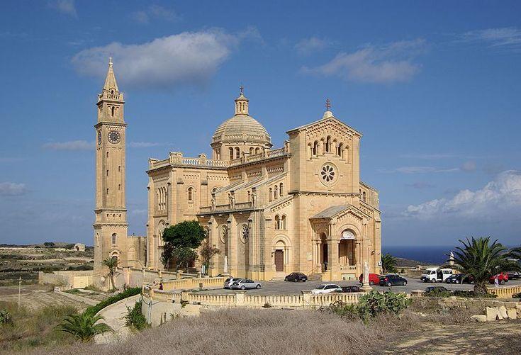 Malta,  остров Gozo,  базилика   Ta Pinu,   2011  Базилика Девы Марии Та'Пину — католический храм, расположенный на острове Гозо (Мальта) неподалёку от деревни Арб.