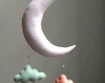 Bébé moderne  menthe bleu marine gris lune par TheWhiteBirchTree