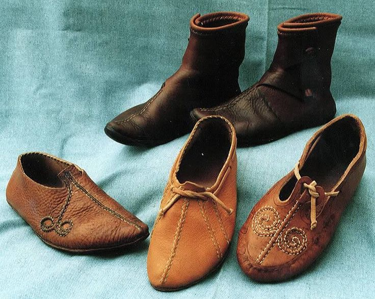 12th century shoes | Viking Age footwear from Ireland, 8-11th century.