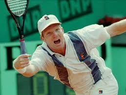 1992: Jim Courier defeated Petr Korda 7–5, 6–2, 6–1.
