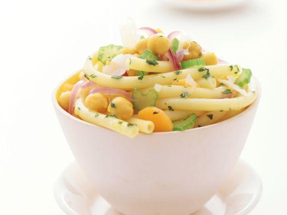 Makkaroni mit Kichererbsen ist ein Rezept mit frischen Zutaten aus der Kategorie Nudeln. Probieren Sie dieses und weitere Rezepte von EAT SMARTER!