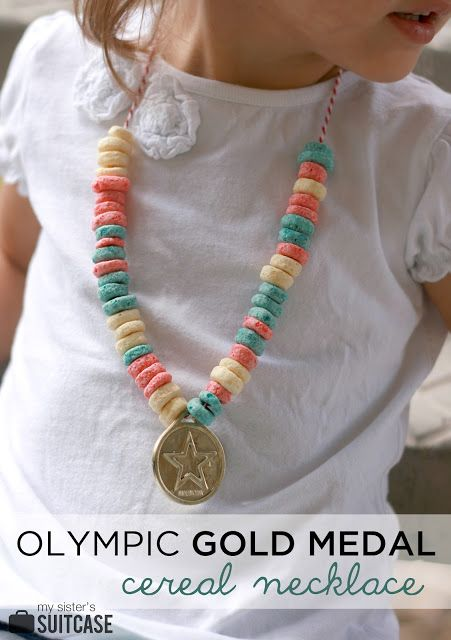 A twist on the classic Fruit Loop Necklace : Olympic Gold Medals! Perfect activity for the kids while you watch the Summer Games! #Olympics #kids #craft