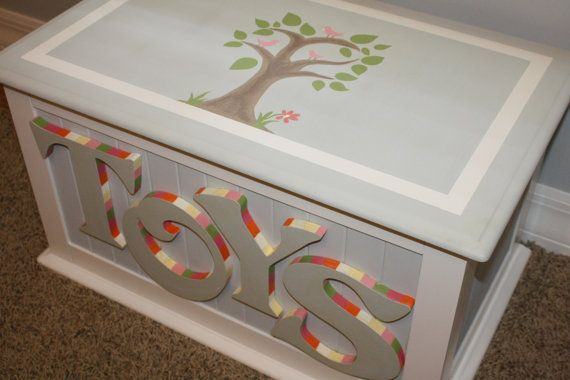 Custom Hand painted Toy Chest por HeathersCustomChests en Etsy