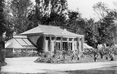 De oranjerie bij het Middelburgse buiten Ter Hooge aan de Koudekerkseweg, omstreeks 1900 (Beeldbank Zeeland)
