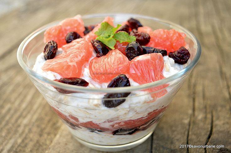 Fulgi de ovaz cu grepfruit roz si merisoare - Overnight oats. Un mic dejun sau o gustare sanatoase, fara zahar, un inlocuitor al cerealelor procesate cu