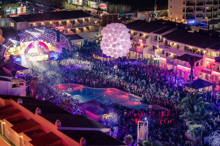 Ushuaia - Open-air club in Ibiza