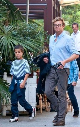 Happy Daddy's Day: The top 10 hottest celebrity dads!!  TOP 4: Simon Baker with little Harry