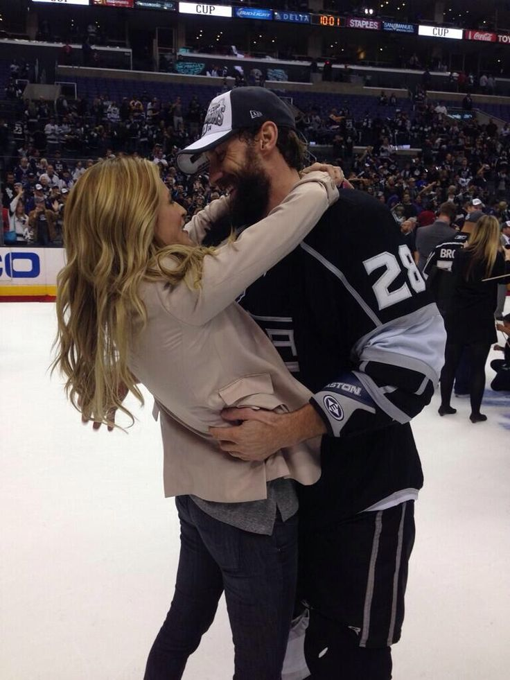 jarrett stoll erin andrews stanley cup   Wives and Girlfriends of NHL players