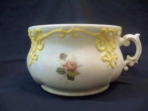 Vintage Chamber Pot by TheGatheringPlaceCR on Etsy, $20.00