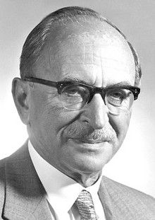 Dennis Gabor (1900 - 1979) ♦ Hungarian-British electrical engineer and physicist, most notable for inventing holography, for which he later received the 1971 Nobel Prize in Physics.