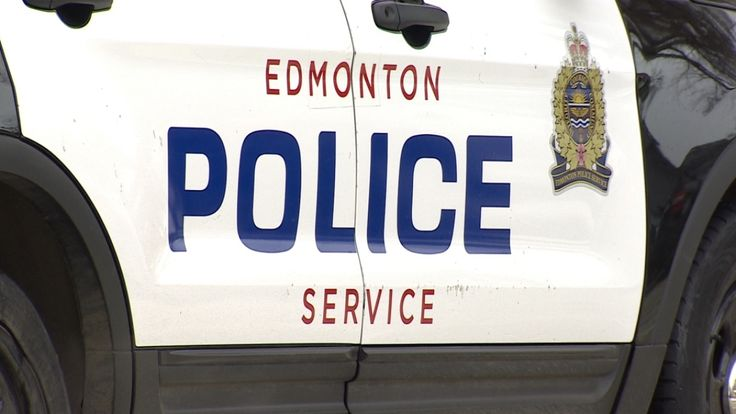 nice Man crashes into tree, dies while fleeing scene of suspected hit-and-run - Edmonton Check more at http://sherwoodparkweather.com/man-crashes-into-tree-dies-while-fleeing-scene-of-suspected-hit-and-run-edmonton/