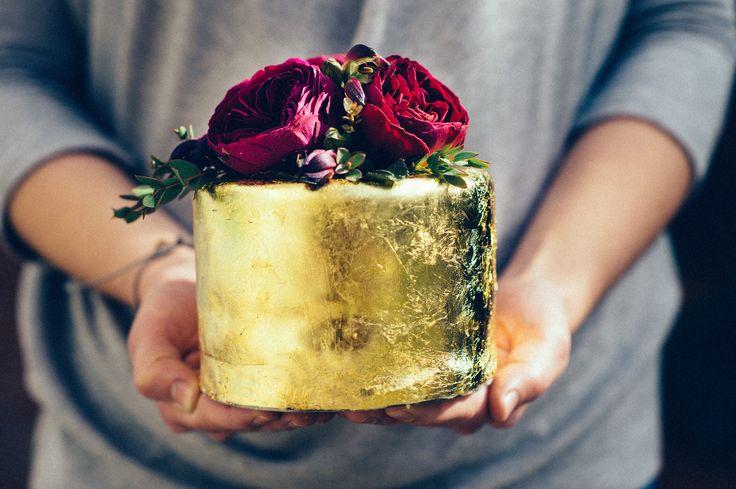 Wedding cake in gold with flower. I love it! www.nekedcake.hu