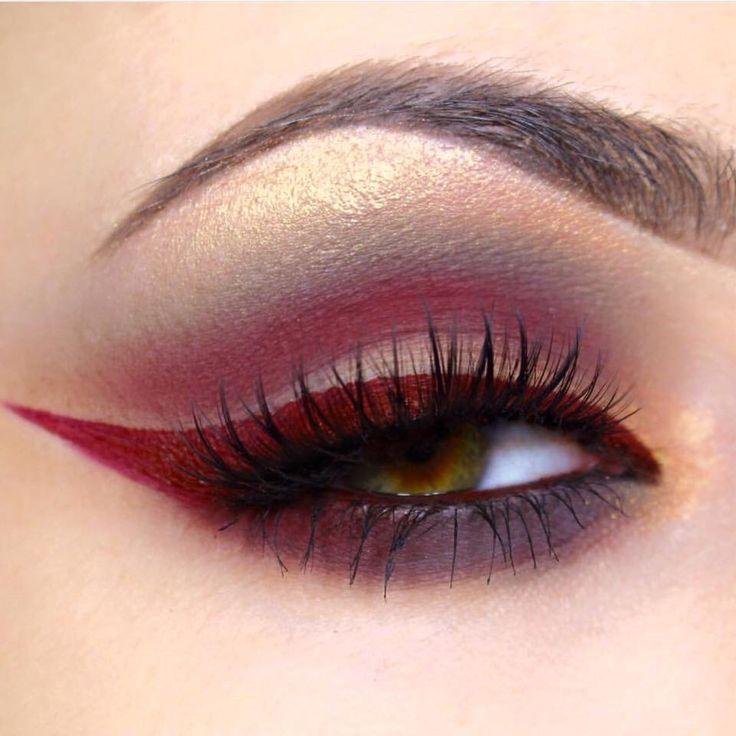 "Jeffrey Star ""unicorn blood"" lipstick as eye liner"