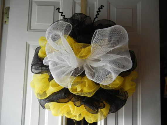 Bumble Bee Deco Mesh Wreath/Bumble Bee Wreath by DecoDaneWreaths