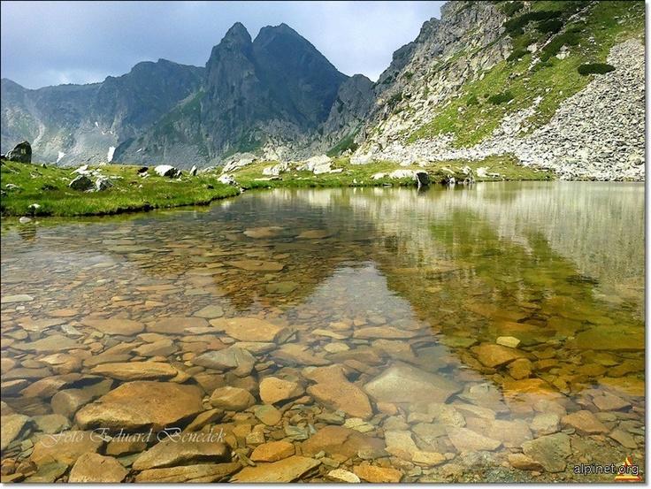 Retezat Mountains, Romania http://alpinet.org/main/foto/showfoto_ro_item_108753.html