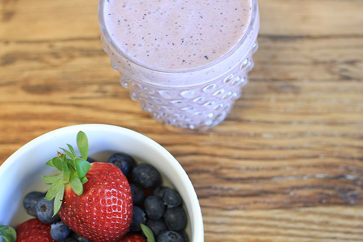 A simple berry smoothie packed with nourishing ingredients to fuel yourself after a workout or whenever you just need a healthy snack!