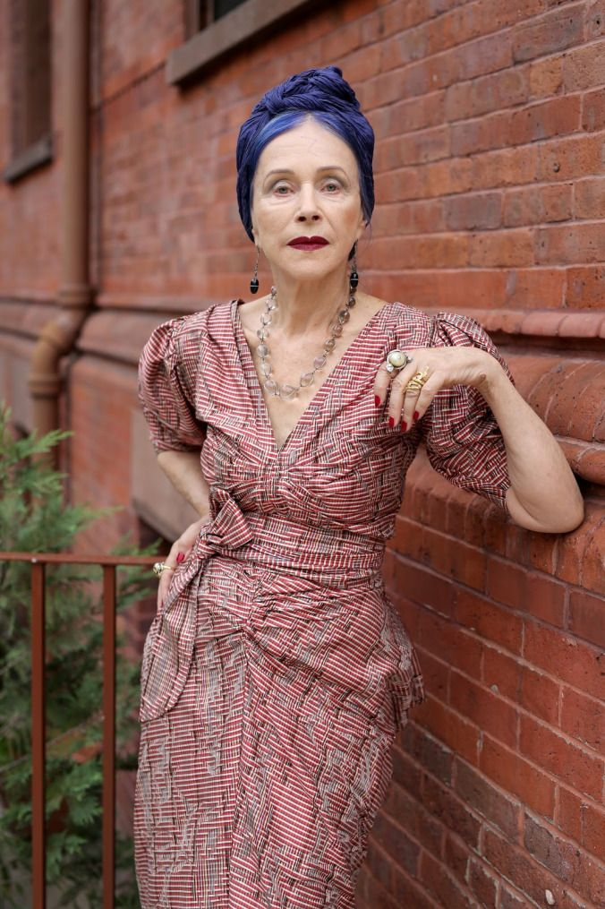 Since 2008, Ari Seth Cohen has beenphotographing some of the most stylish women on the streets of New York City. Some look fierce and polished. Others have aneffortlessly cool vibe.  Nearly all have celebrated their 60th birthdays.  He posts the snapshots on his fashion blog, <