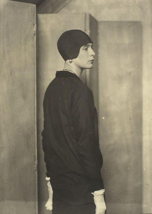 Lady Abdy, 1925 by Man Ray. Image via Pinterest.