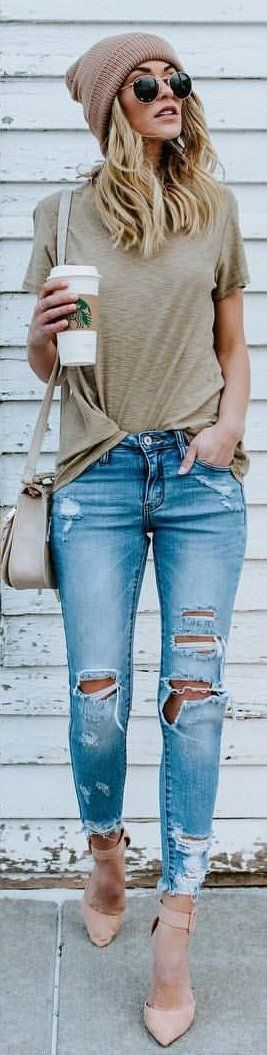 #winter #outfits brown crew-neck t-shirt and distressed blue-washed jeans with nude strappy heels || casual outfit inspiration || street style