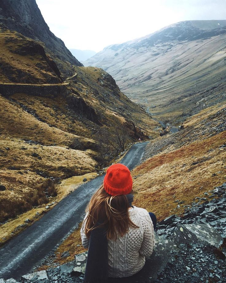@voyage_provocateur hanging out on the edge of Honister Pass. This is near to Rosthwaite where @vodafoneuk have recently brought 3G coverage as part of their rural mobile coverage programme. So even out here in the mountains you will be connected to 3G giving you more time to connect to nature! // #ROSS100 #SP #iPhone6S by dpc_photography_