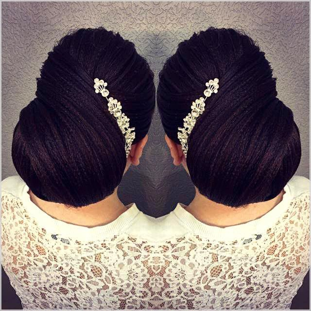 The Low Chignon is often a smooth bridal hair messy bun which appears surprisingly beautiful on bridesmaid as well. #weddinghairstyles #coolhairstyles...
