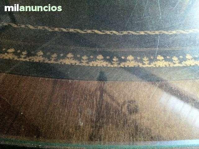 #mesa #antiguedades #nogal MESA REDONDA COMEDOR  Y SILLONES.  - foto 4