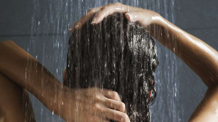 Comment bien se laver les cheveux