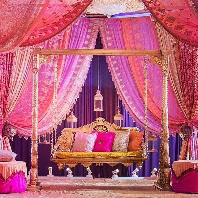 """Mehndi stage decor inspiration😍 stage decor by @amer.design.studio located in #Chicago #readysetwedding"" by @readysetwedding. #свадьба #невеста #prewedding #casamento #marriage #noiva #bridalstyle #weddingfashion #weddingdream #weddingidea #bridalinspiration #bridalinspo #rusticwedding #bridalgown #bridaldress #свадебноеплатье #vestidodenoiva #couture #gelinlik #gown #bridesmaids #theknot #stylemepretty #junebugweddings #groom #weddingtime #engagement #weddinghair #brides #weddingphoto…"
